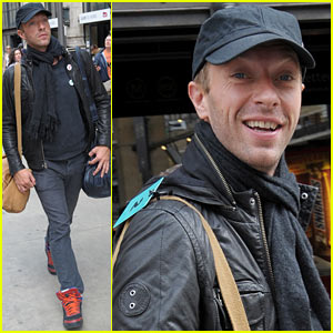 Chris Martin Acknowledges 'There've Been a Lot of False Headlines Lately'