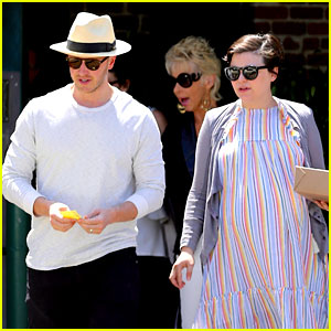 Ginnifer Goodwin's Wedding Dress Designer Dishes on Fairy-Tale Day!