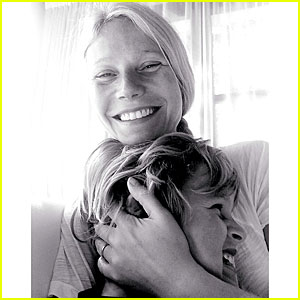 Gwyneth Paltrow Continues to Wear Wedding Ring On Son Moses' Birthday - See Pic!