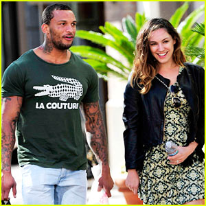 Kelly Brook & Her Super Macho Fiance David McIntosh Cannot Stop Smiling During Day Together!