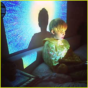 Miley Cyrus</a> Enjoys the Bright Lights in Bed After Hospital Release!
