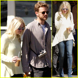 Dakota Fanning Holds Hands with Boyfriend Jamie Strachan in NYC!