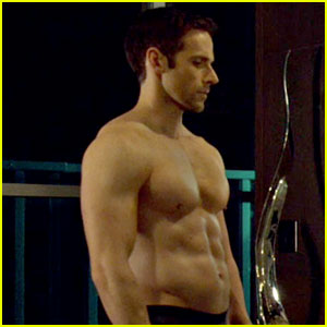Dylan Bruce Gives Us Hot Paul's Hot Body on 'Orphan Black'!