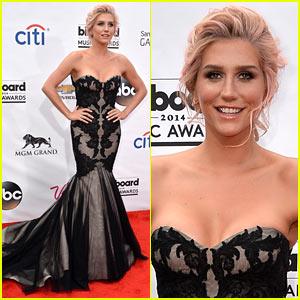 Kesha Goes Black & Lacy at the Billboard Music Awards 2014!