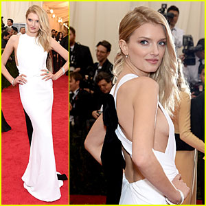 English Supermodel Lily Donaldson Shows Some Sideboob at Met Ball 2014!