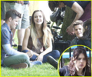 Max & Charlie Carver Feed Each Other on 'Leftovers' Set