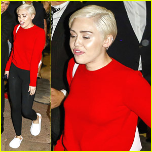 Miley Cyrus</a> Makes Red Hot Exit After World Music Awards