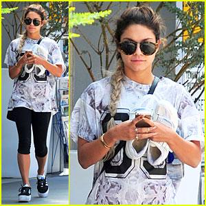 Vanessa Hudgens Shoe Size