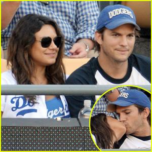 Ashton Kutcher Amp Mila Kunis Pack On The Pda At Dodgers