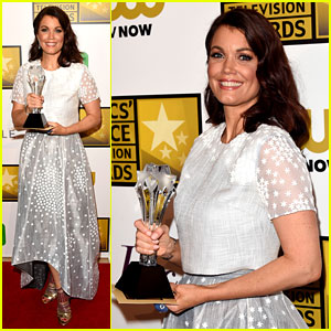 Scandal's Bellamy Young WINS a Critic's Choice TV Award!