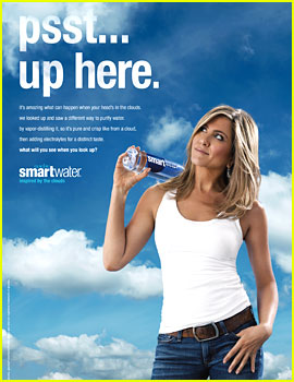 Jennifer Aniston Tells Us to 'Look Up' in New smartwater Ad