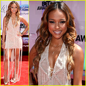 Chris Brown's Girlfriend Karrueche Tran Hosts BET Awards 2014 Red Carpet Show!