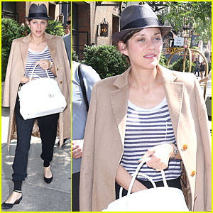 Marion Cotillard Has No Problem Saying Why She is Happy!