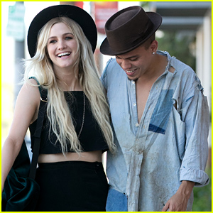 Ashlee Simpson & Evan Ross Look So in Love Wrapped In Each Other's Arms