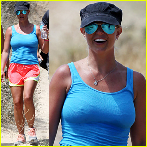 Britney Spears Goes on a Five Mile Hike in Santa Monica