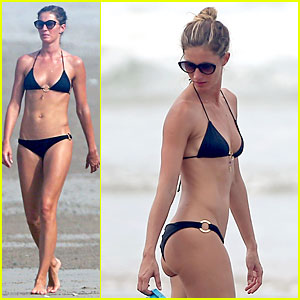 Gisele Bundchen's Amazing Bikini Body Is a Sight to See in Costa Rica