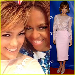 Jennifer Lopez & First Lady Michelle Obama Snap a Selfie Together at LULAC Luncheon!