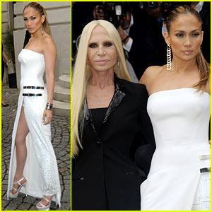 Jennifer Lopez Is White Hot at Atelier Versace Fashion Show!