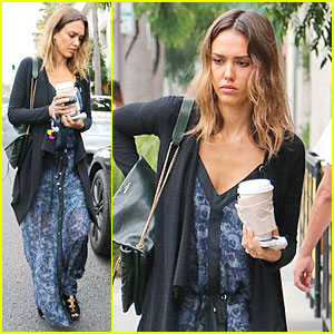 Jessica Alba Knows How to Be Positive on the Internet - Watch Now!