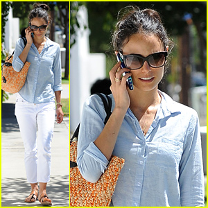 Jordana Brewster Encourages Everyone to Donate Old Clothing to People in Need