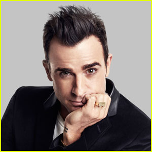 Justin Theroux Wears His Name on His Ring for 'Elle'