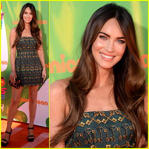 Megan Fox Looks Amazing in Short Dress at Kids' Choice Sports Awards 2014!