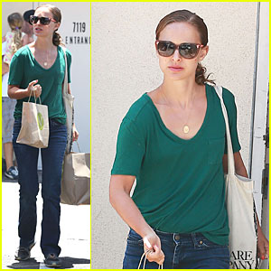 Natalie Portman Goes Green & Healthy at M Cafe!