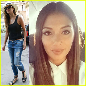 Nicole Scherzinger Keeps it Casual for 'Project Runway' Visit