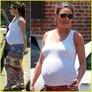 Pregnant Mila Kunis' Baby Bump Has Gotten So Much B