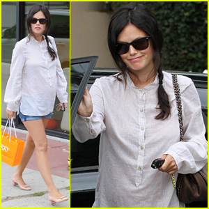 Rachel Bilson Goes Baby Shopping at Some L.A. Boutiques!