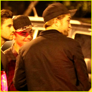 Zac Efron & Robert Pattinson Go Bowling Together in Studio