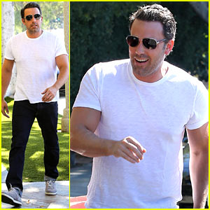Ben Affleck Helps Boost Sales for Detroit T-Shirts