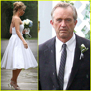 Cheryl Hines & Robert F. Kennedy, Jr. Wedding Photos - See Her Dress!
