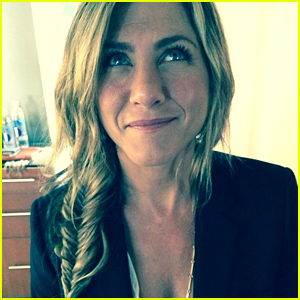 Jennifer Aniston Gets Her Hair Braided & Looks So Pretty in New Pic