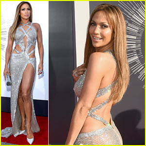 Jennifer Lopez Is a Bejeweled Beauty at MTV VMAs 2014!