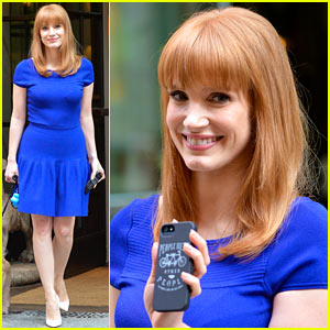 Jessica Chastain Uses the Paparazzi to Spread a Message
