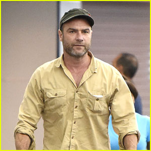 Liev Schreiber Rushes Into the Airport After Emmys Weekend