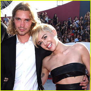 Miley Cyrus' Homeless VMAs 2014 Date Jesse Helt Turns Himself In to Oregon Jail