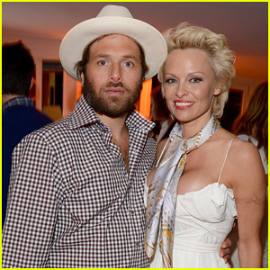 Pamela Anderson Calls Off Divorce From Hubby Rick Salomon
