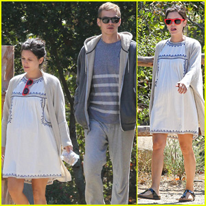 Rachel Bilson Celebrates Her 33rd Birthday on Babymoon with Hayden Christensen