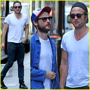 Robert Pattinson Hangs Out with Tom Sturridge in New York