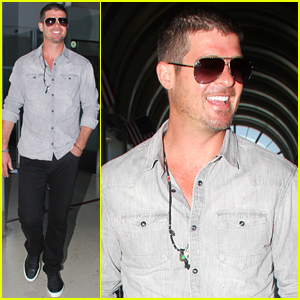 Robin Thicke Isn't Dating His Son Julian's Babysitter
