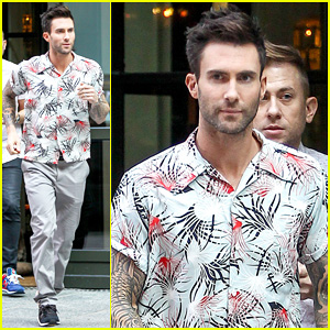 Adam Levine Performs 'Maps' with Maroon 5 on 'America's Got Talent' - Watch Here!