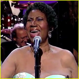 Aretha Franklin Sings 'Rolling in the Deep' Live & Totally Kills It - Watch Now!