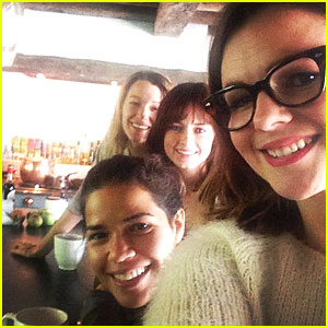 Blake Lively Reunites With 'Sisterhood of the Traveling Pants' Co-Stars Over Brunch!