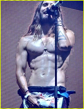 Jared Leto Grabs Himself Once Again & This Time, He is Sweaty & Shirtless!