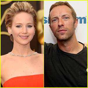 Jennifer Lawrence 'Couldn't Take Her Eyes Off' Chris Martin at His Concert!