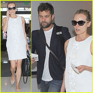 Joshua Jackson Reflects on Ground Zero Before Flight With Girlfriend Diane Kruger