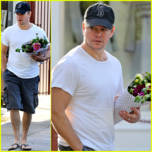Matt Damon Buys a Bouquet of Flowers for a Special Someone!