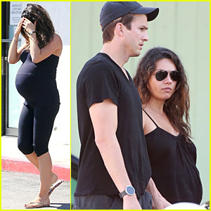Pregnant Mila Kunis & Fiance Ashton Kutcher Satisfy Her Cravings at SunCafe